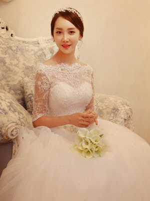 Off-the-Shoulder 1/2 Sleeves Chapel Train Tulle Puffy Beaded Wedding Dresses_4
