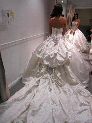 Romantic Taffeta Sleeveless Cathedral Train Ruffles Puffy Sweetheart Wedding Dresses_3