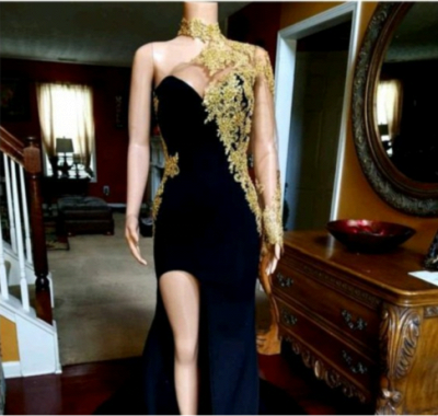 Front-slit Appliqued Black Mermaid Prom Dresses with Long Sleeves_3