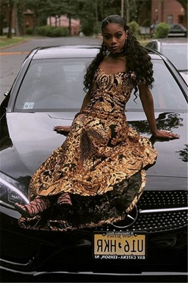 Glamourous Sheath Off The Shoulder Gold Applique Long Prom Dress_4