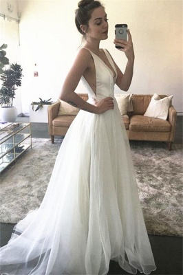 Stunning A-line Sleeveless Straps White V-neck Sweep Train Wedding Dress_2