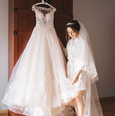 Glamorous Sleeveless V-Neck Lace Appliques Wedding Dresses_4
