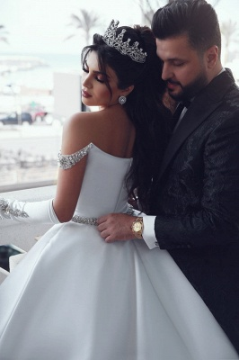 Stunning Ball Gown Off-the-Shoulder Appliques Wedding Dress_5