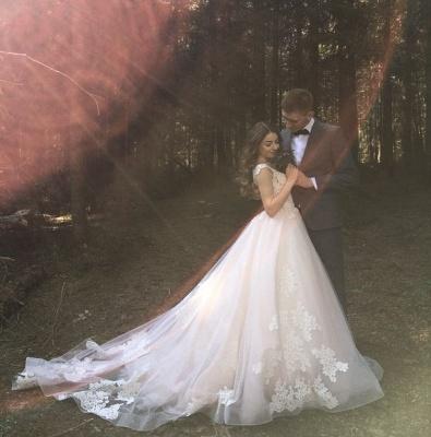 Glamorous Sleeveless V-Neck Lace Appliques Wedding Dresses_3