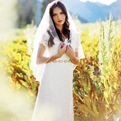 Timeless  Short-Sleeves Sheath Lace Appliques Wedding Dress_3