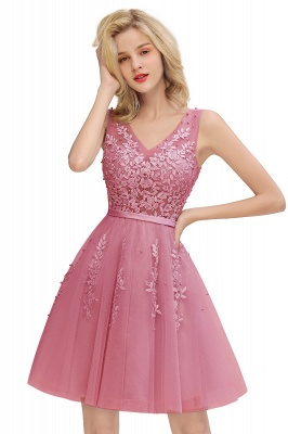 Lovely V-neck Lace-up Short Prom Dresses with Lace Appliques_2