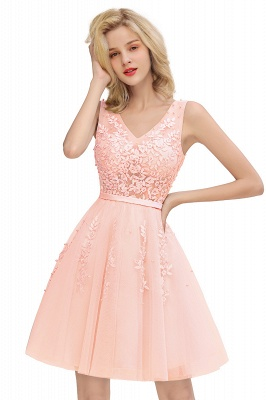 Lovely V-neck Lace-up Short Prom Dresses with Lace Appliques_1