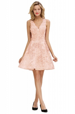 Princess V-neck Knee Length Lace Appliques Homecoming Dresses_1