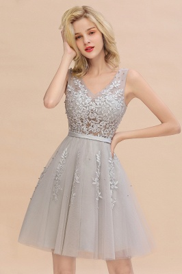 Lovely V-neck Lace-up Short Prom Dresses with Lace Appliques_6