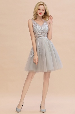 Lovely V-neck Lace-up Short Prom Dresses with Lace Appliques_18