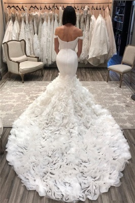 Stunning Off the Shoulder Mermaid Wedding Dresses   Gorgeous Bridal Gowns with Flower Court Train_1