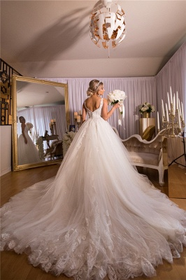 Glamorous Straps V-neck Court Train Ball Gown Lace Tulle Wedding Dresses