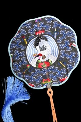 Chinese Traditional Hand-Embroidered Silk Circular Fan With Wave Side_4