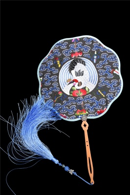 Chinese Traditional Hand-Embroidered Magpie Circular Fan With Wave Side_4