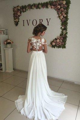 Glamorous Lace Appliques Side Slit A-line Chiffon Beach Wedding Dresses_3