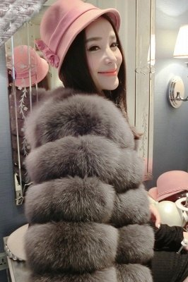 Tiered Fox Fur Coat with Full Fur Collar and Cuffs_15