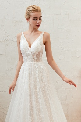 Gorgeous Spaghetti Straps Sweep Train V-neck Lace-Up Lace Wedding Dresses_13