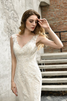 Cheap Long Lace Wedding Dresses Backless Floor Length Straps Online_4