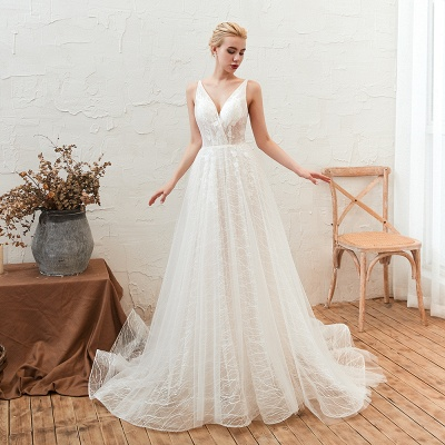 Gorgeous Spaghetti Straps Sweep Train V-neck Lace-Up Lace Wedding Dresses_8