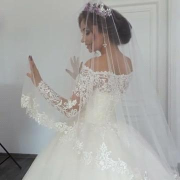 Bateau Long Sleeve Off The Shoulder Lace Applique Ball Gown Wedding Dresses | Beading Bridal Gown_3