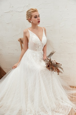 Gorgeous Spaghetti Straps Sweep Train V-neck Lace-Up Lace Wedding Dresses_9