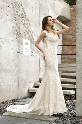 Glamorous Floor Length Open Back Mermaid Lace Wedding Dresses_10