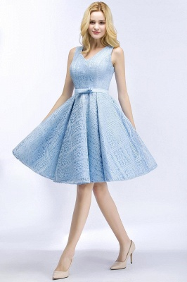 Lovely A-line Lace Knee-Length Homecoming Dress_3