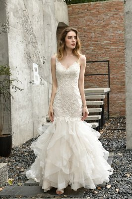 Gorgeous Floor Length Tulle Appliques Mermaid Wedding Dress