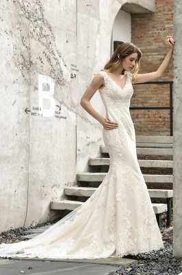 Glamorous Floor Length Open Back Mermaid Lace Wedding Dresses_4