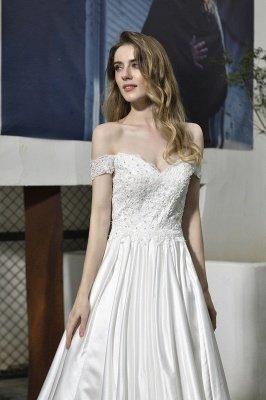 Elegant Appliques Off the Shoulder Sweetheart Lace Wedding Dresses_5
