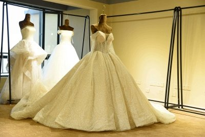Luxury Long Sleeve Lace-up Tulle Ball Gown Wedding Dress | Haute Couture Bridal Gowns Series_4