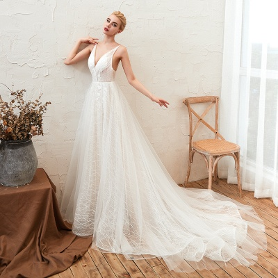 Gorgeous Spaghetti Straps Sweep Train V-neck Lace-Up Lace Wedding Dresses_5