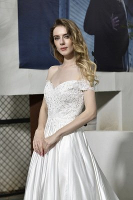 Elegant Appliques Off the Shoulder Sweetheart Lace Wedding Dresses_6