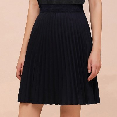A-line Knitted Knee Length Pleated Skirt_4