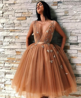 Champagne Straps V-neck Flower Ruffles A-line Short Homecoming Dresses | Backless Graduation Dresses_1