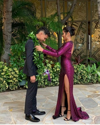 V-neck Long Sleeves Open Back High Slit Fitted Sequin Prom Dresses_3