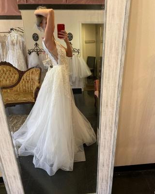 Straps V-neck Lace Tulle Detachable Train Wedding Dresses_3