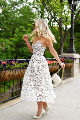 Stylish Spaghetti Straps V-neck A-line Midi Lace Wedding Party Dresses_2