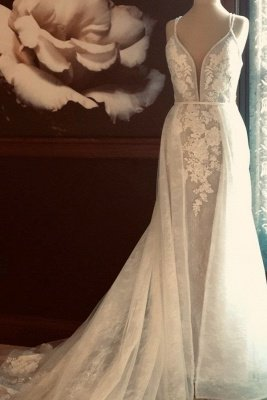 Spaghetti Straps Plunging V-neck Wedding Dress With Detachable Train