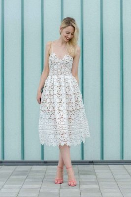 Stylish Spaghetti Straps V-neck A-line Midi Lace Wedding Party Dresses_1
