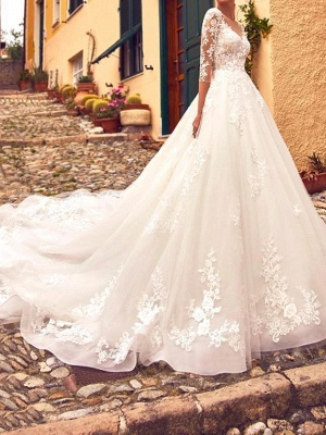 Elegant A-Line V-Neck Tulle Lace 3/4 Sleeves Wedding Dress