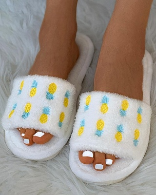 Pineapple Strawberry Pattern Fluffy Slippers_2