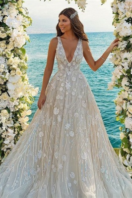 Chic V-neck A-Line Straps Tulle Lace Wedding Dress_1