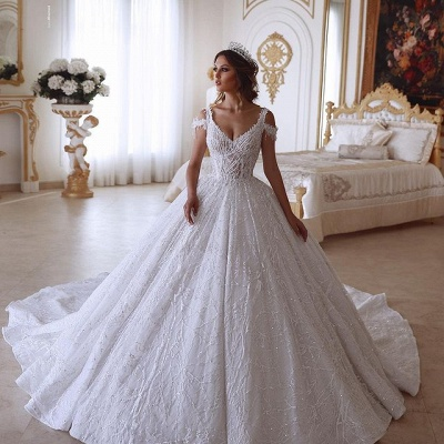 Glamorous Ball Gown V-neck Cold-Shoulder Lace Wedding Dress with Beadings_2