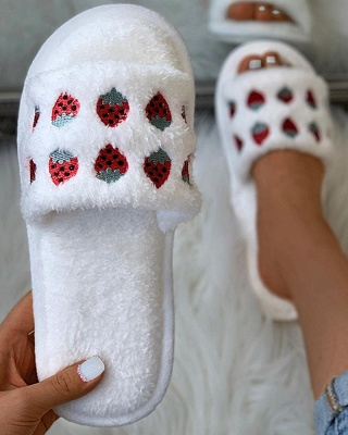 Pineapple Strawberry Pattern Fluffy Slippers_10