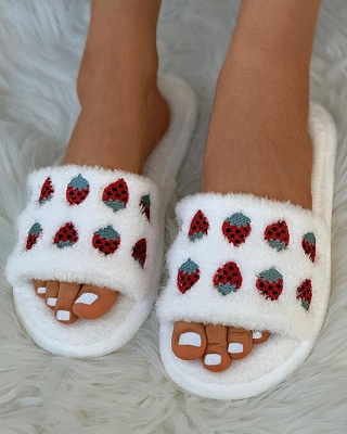 Pineapple Strawberry Pattern Fluffy Slippers_1