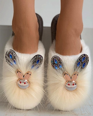 Rabbit Pattern Studded Fluffy Slippers_16