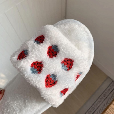 Pineapple Strawberry Pattern Fluffy Slippers_9