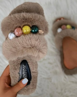 Colorblock Beaded Fluffy Slippers_16