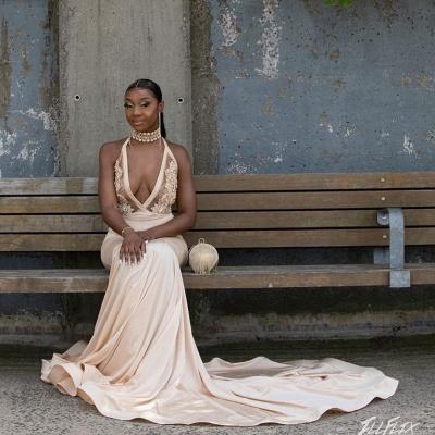 Halter Prom Dresses Deep V-Neck Appliques Mermaid Evening Dresses_4